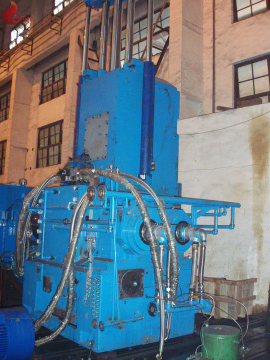 4500kg / h Alloy steel casting Rubber Internal Mixer Four Angle Hermetic